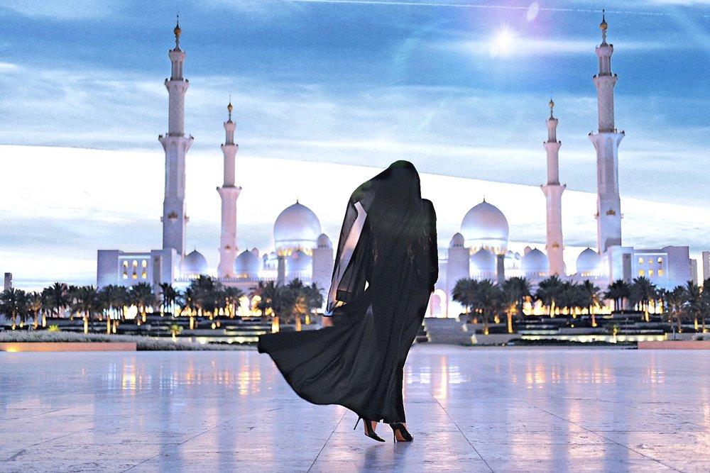 SHEIKH ZAYED GRAND MOSQUE • ABU DHABI, UAE PHOTOGRAPHER: SUROOR