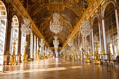 Image:The Hall of Mirrors, Palace of Versailles © Jose Ignacio Soto / Shutterstock.com