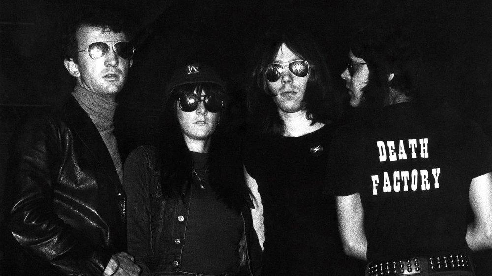 TG, 1976