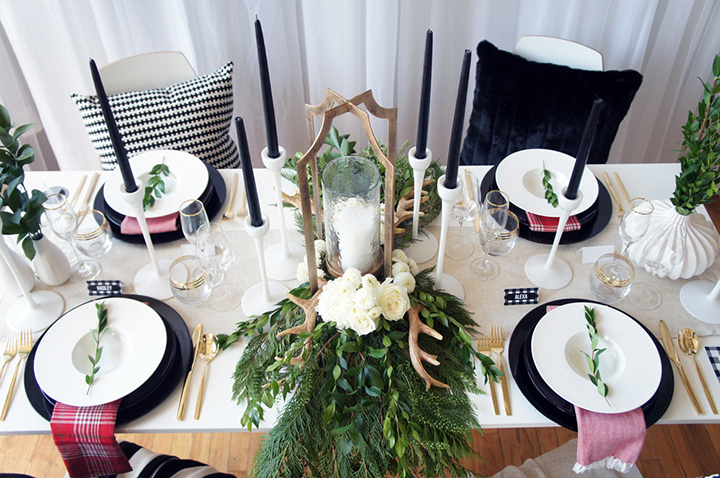 sofreshandsochic_blackandwhiteholiday_tablescape3.jpg