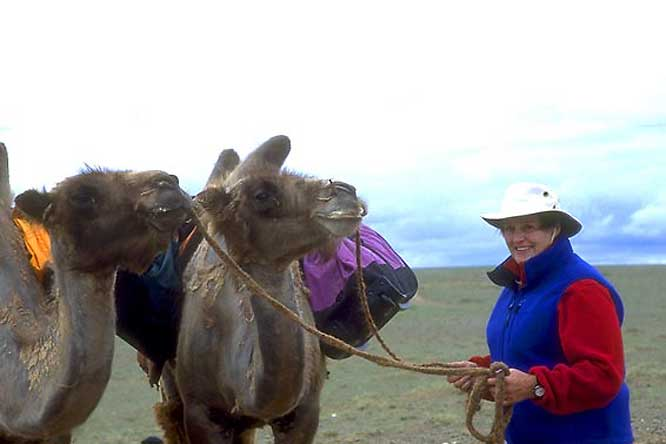 Helen-Thayer-in-Gobi.jpg