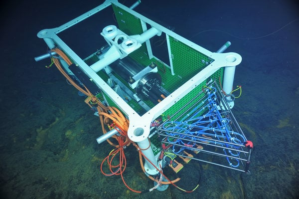 A triangular array that was to be deployed to measure the temperature of a venting hot spring below the surface.CreditUniversity of Washington/National Science Foundation-Ocean Observatories Initiative/Canadian Scientific Submersible Facility