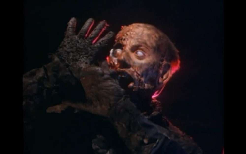 I am particularly fond of this still from MUTANT HUNT (1987), a poorly made film - but one that has robots and lasers.