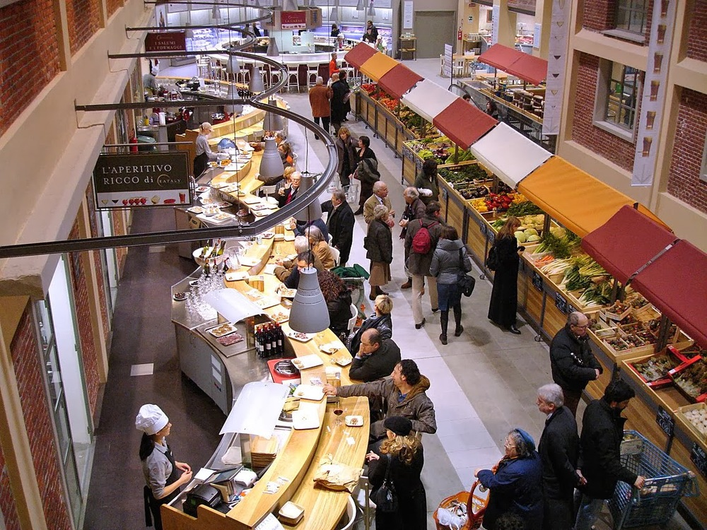 Typical Eataly store interior [Image Source]