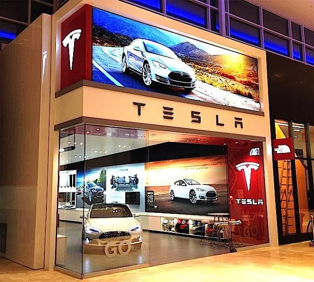 Tesla+Toronto+motors+vancouver+929+Robson+Retail+Insider.jpg