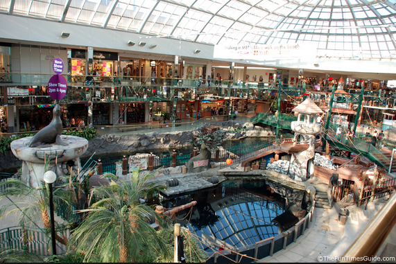 West Edmonton Mall: Edmonton's top choice for Uniqlo. Photo: TheFunTimesGuide.com