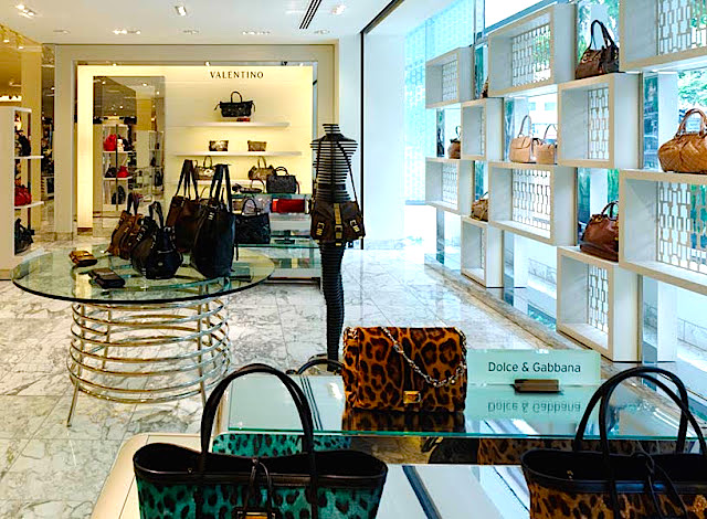 Natural light bathes designer handbags at Nordstrom's Naples, Florida store. Photo: Callison Architecture (click to enlarge)