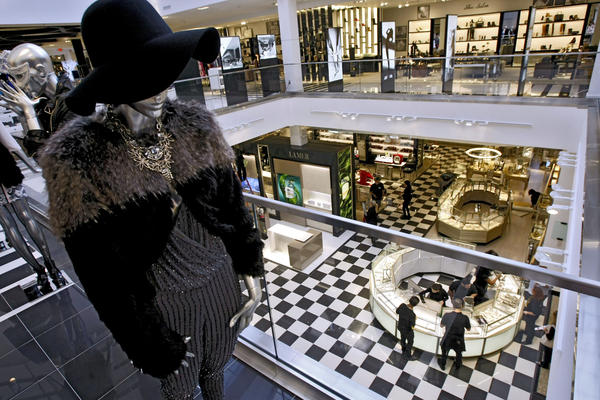 Bloomingdale's recently opened a 120,000 square foot unit in Glendale, California. Photo:   articles.glendalenewspress.com