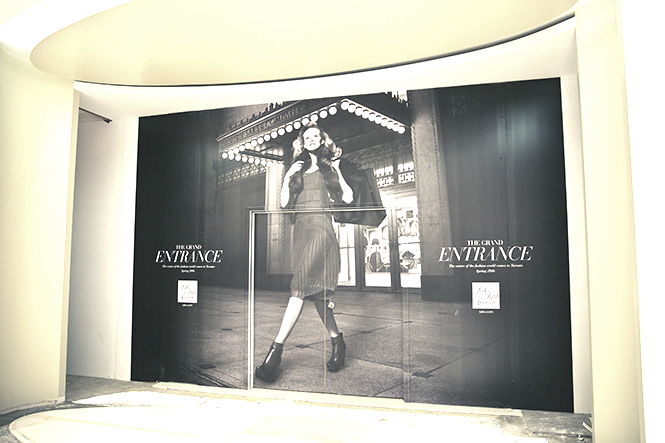 3rd floor entrance, photo: Saks Fifth Avenue/  Billy Rood