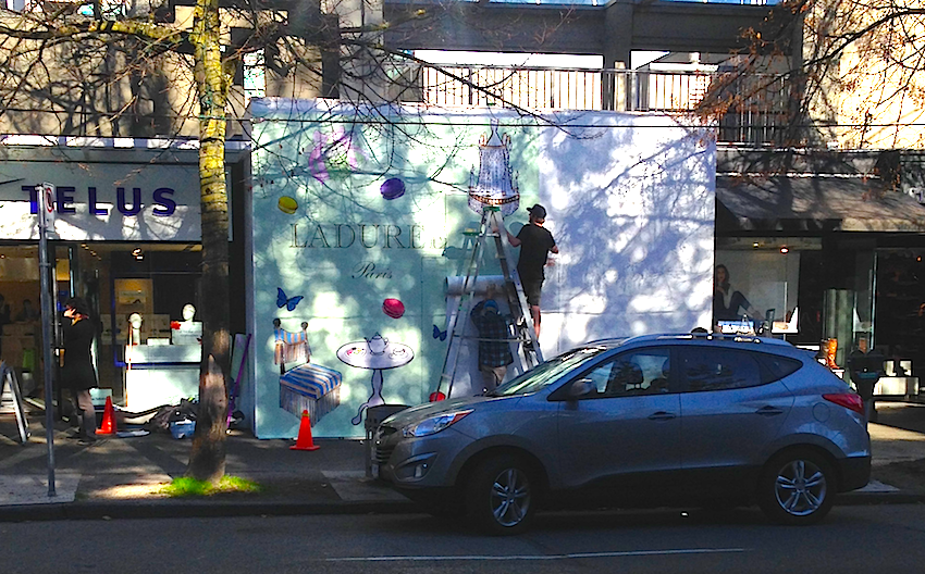 Hoarding being installed on October 27, 2015 at 1141 Robson Street. Photo: William Connor