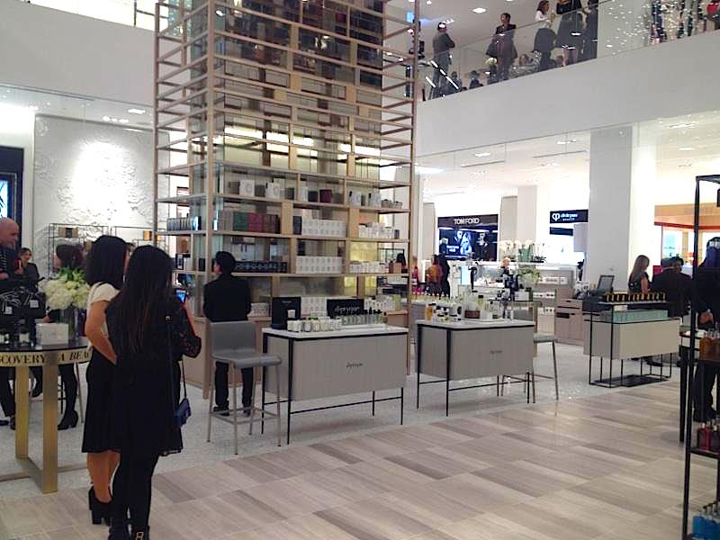 Cosmetics hall, ground floor. Photo: Retail Insider
