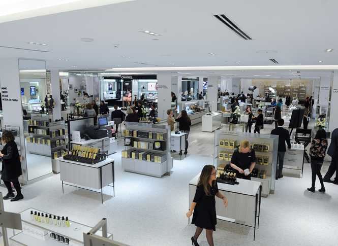 Cosmetics hall. Photo: Saks