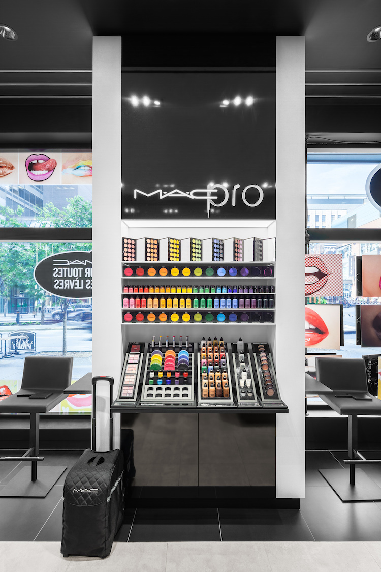 MAC Cosmetics replaces footwear retailer Spring , which closed that Sainte-Catherine ...