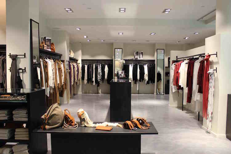 Yorkville Village store, featuring Pacini's full collection of clothing, accessories and footwear.