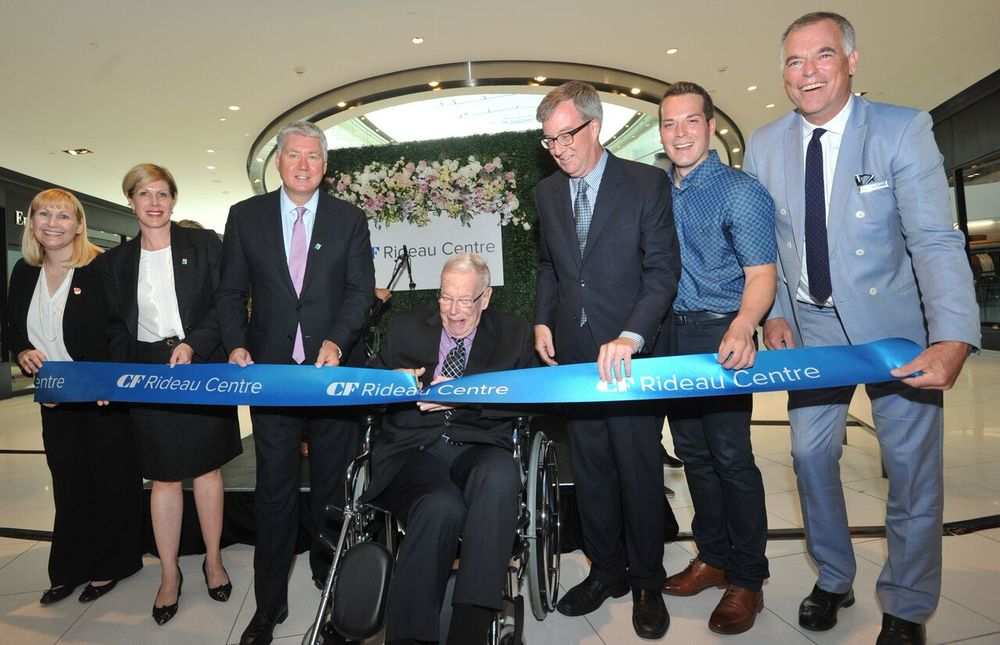 Ribbon cutting. Photo: Cadillac Fairview.