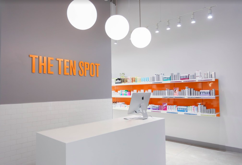CF Shops at Don Mills front desk. Photo: The Ten Spot