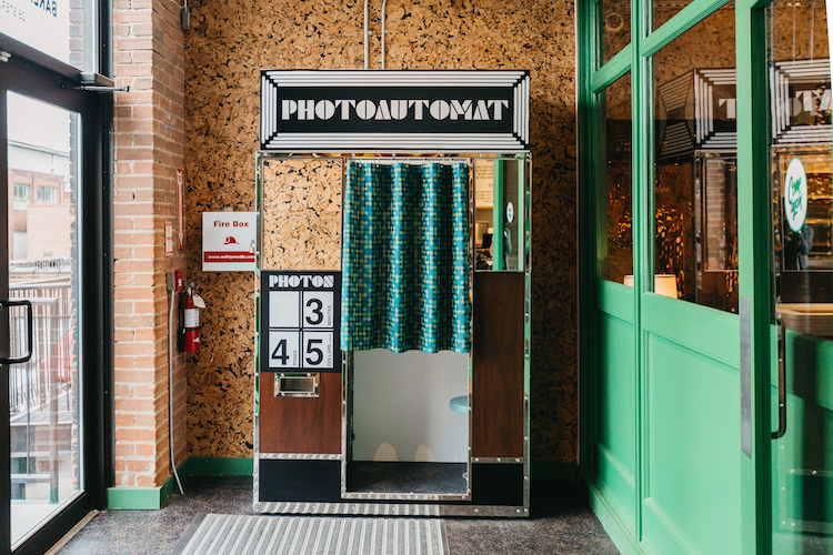 (photo booth. photo:Kayla Rocca)