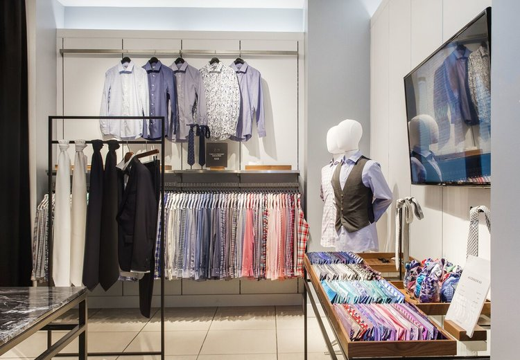 (Above and below: Metrotown showroom. Fixtures in the store were created by Retail Insider partner, Vancouver-based Peregrine, which works with some of the country's leading retailers and their interiors)