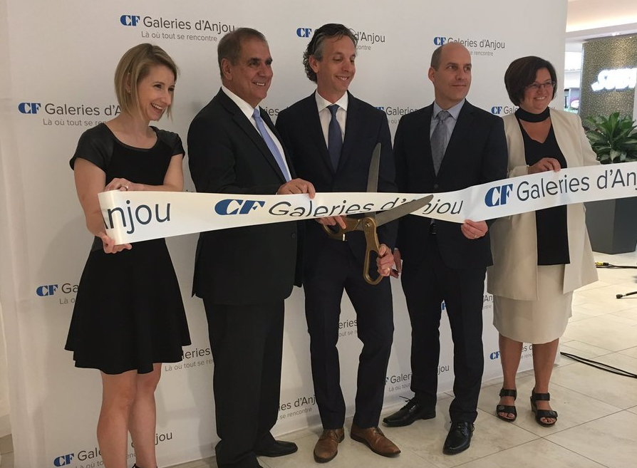 (Ribbon cutting at the Galeries d'anjou expansion unveiling. PHoto: cadillac fairview)
