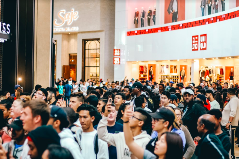 (Crowds line up in anticipation of the store's opening on August 5, 2017)
