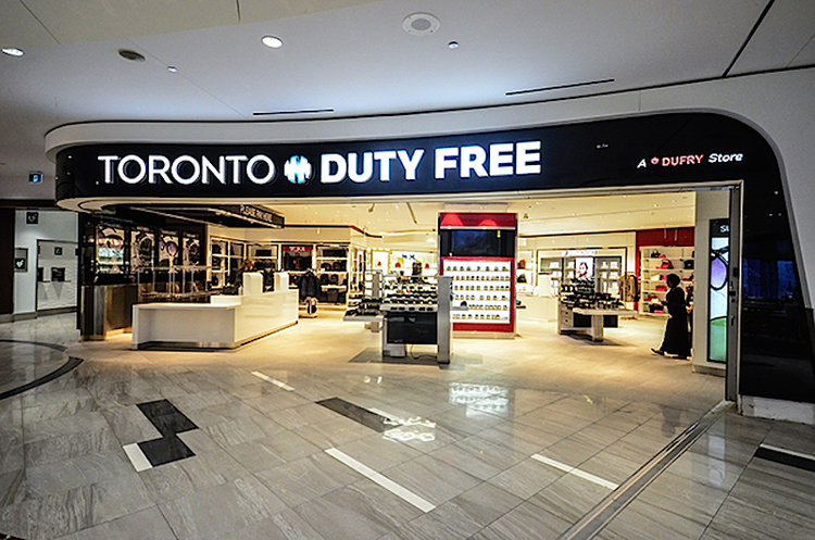 (a curved, Eye-catching, welcoming entrance. Photo: Toronto Pearson International Airport)