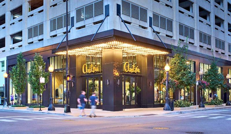 (new chicago gold coast flagship. Photo: Aritzia)