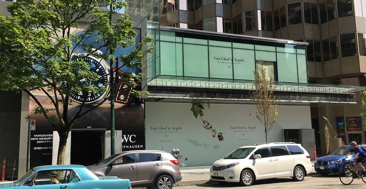 (CONSTRUCTION SIGNAGE FOR IWC AND VAN CLEEF & ARPELS on Alberni Street. PHOTO: LEE RIVETT)