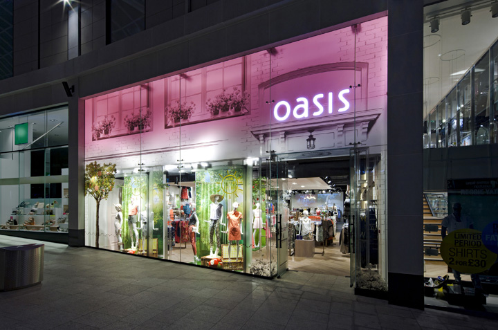 Oasis-store-at-Trinity-Centre-by-Dalziel-and-Pow-Leeds-UK.jpg