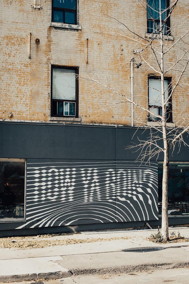 (Side wall mural)
