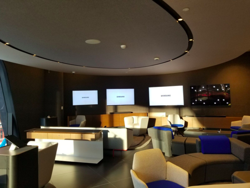 (Screens and seating area on the store's second floor. Photo: Samsung)