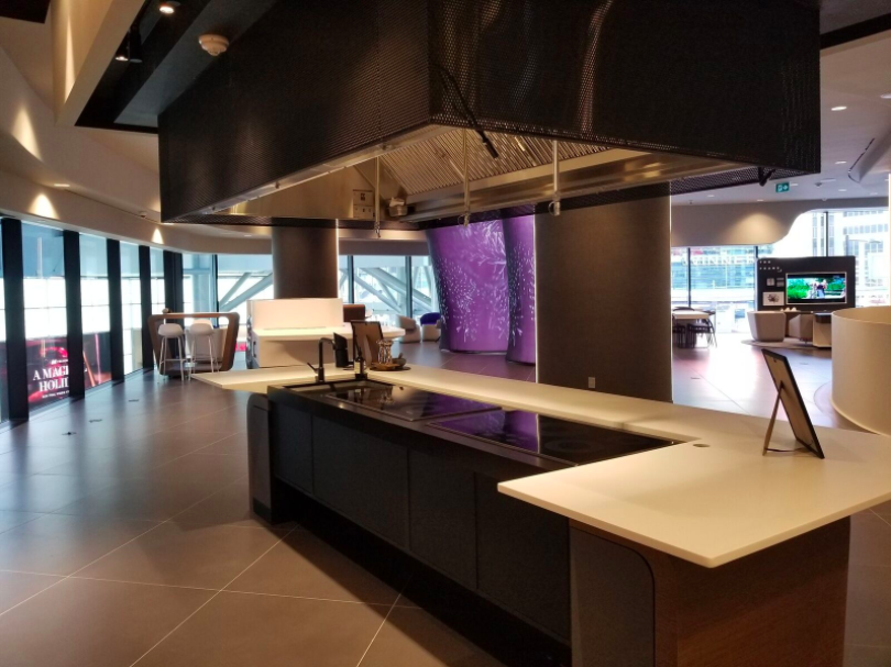 (Demonstration Kitchen on the store's second floor. Photo: Samsung)