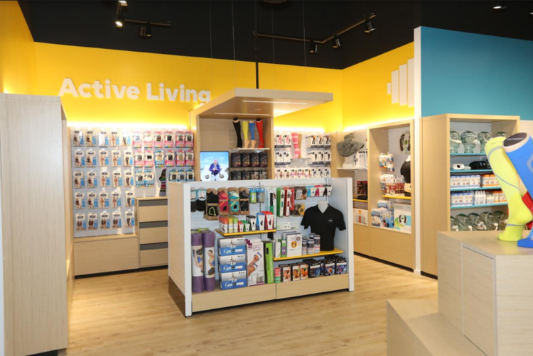 (Above and below: Photos of the Toronto Leaside Wellwise location. Photos: Shoppers Drug Mart)