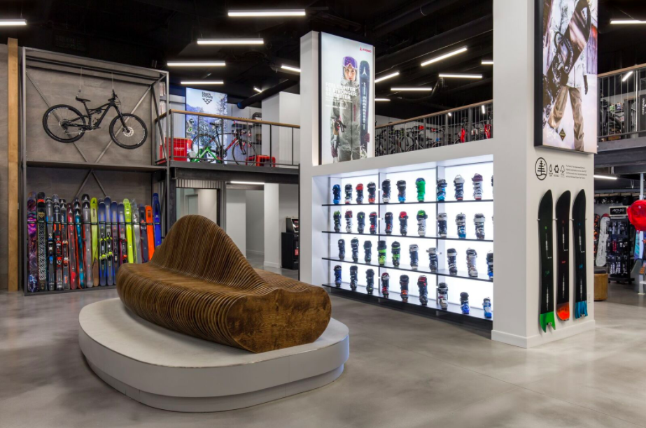 [ Comor Sports Store in Vancouver . PHoto: Cutler]