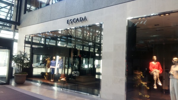 Escada Before.jpg