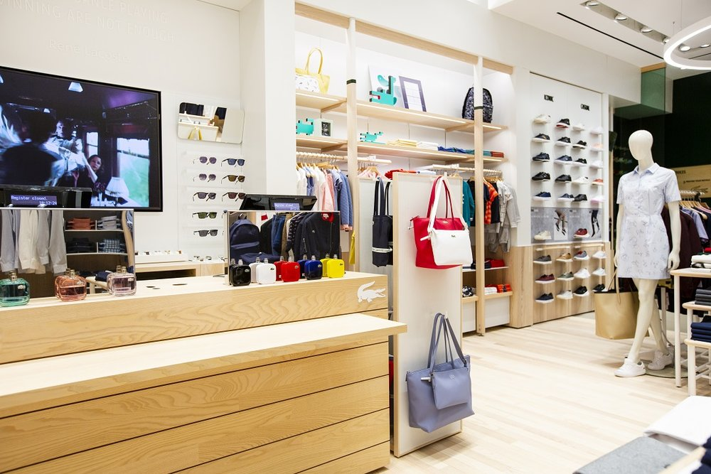 21ac05657 Currently there are 12 boutique stores across Canada and five outlets.  There are also many wholesale stores like Golf Town. It operates its  ecommerce site ...