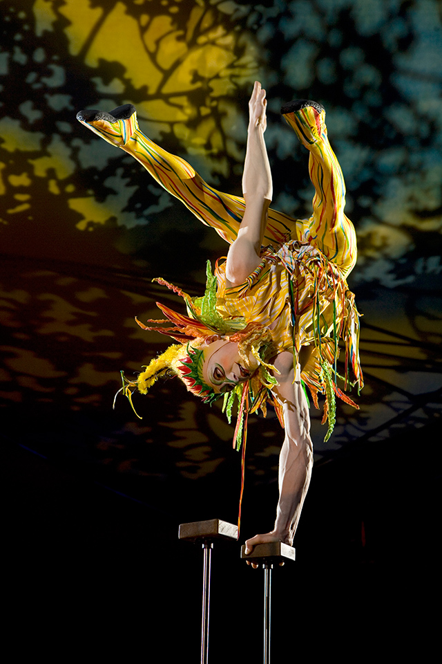 Hand Balancing from Mystère. Photo: Cirque du Soleil/Richard Termine