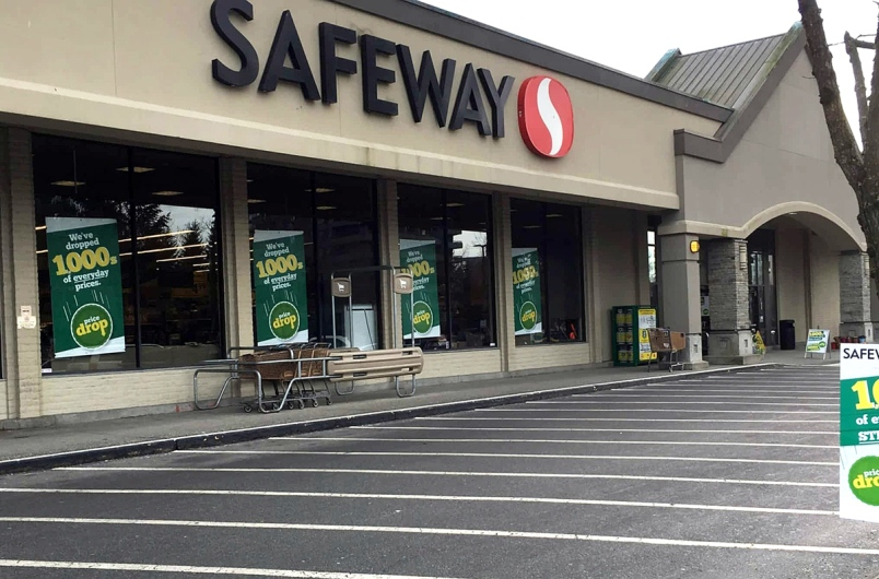 Safeway at Lougheed mall is one of two Burnaby locations that will close for good on May 5. The other location is at Kingsway and Royal Oak Avenue. Photo:  BurnabyNow