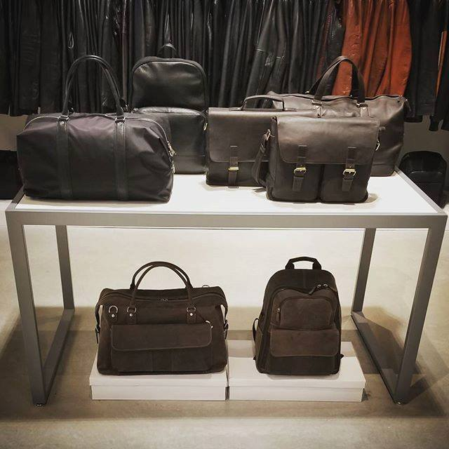 7971751756 Danier' Opening Stores into New Markets as it Expands Nationally