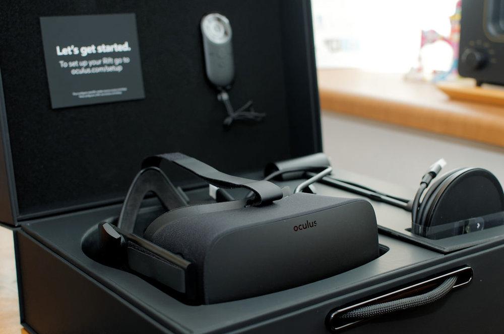 OculusHeadset_1.jpg