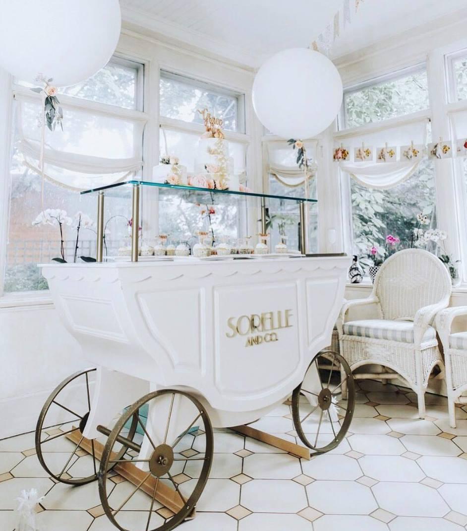 Sorelle dessert cart. Photo: Sorelle & Co. Facebook