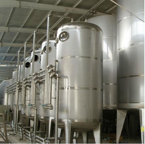 OLIVE OIL Tanks. Photo:    Jiangsu Prettech Machinery