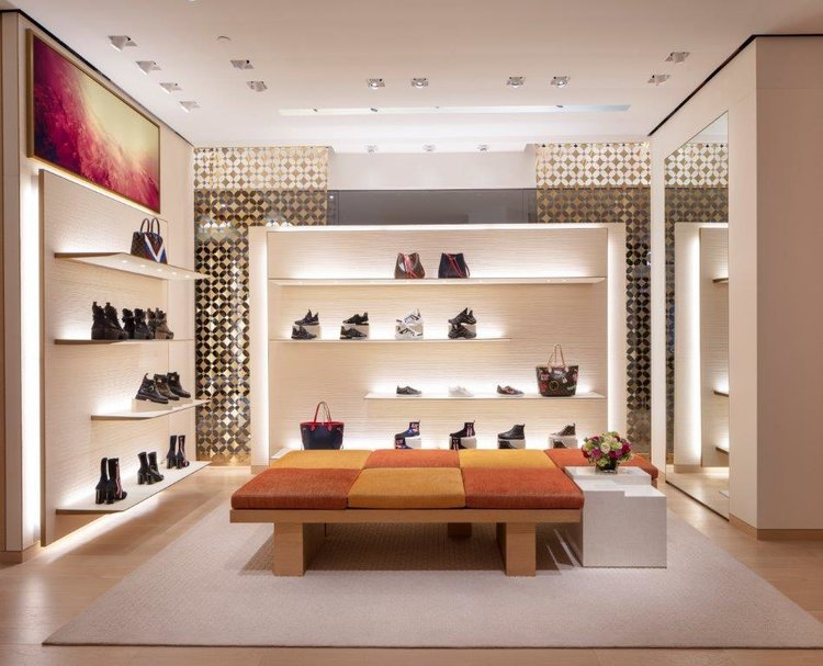 CF CHINOOK CENTRE LOCATION INTERIOR. PHOTO: COURTESY OF LOUIS VUITTON / PAUL WARCHOL