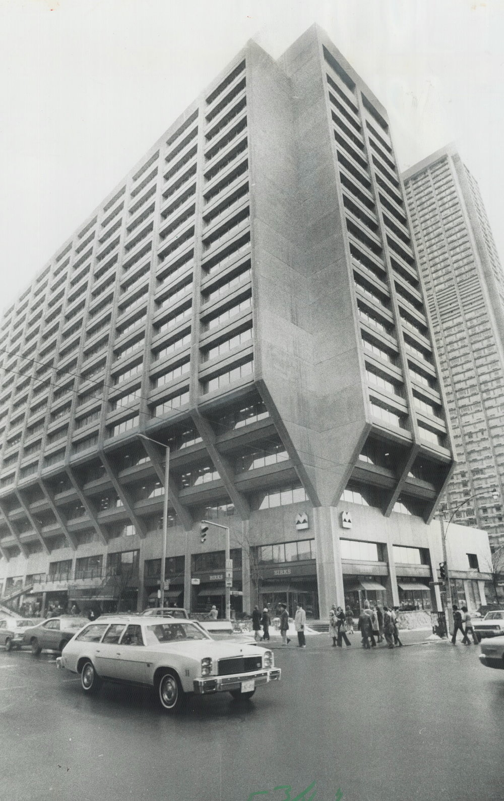 BIRKS BLOOR STREET STORE at Manulife Centre IN 1977 PHOTO: TORONTO STAR PHOTO ARCHIVE