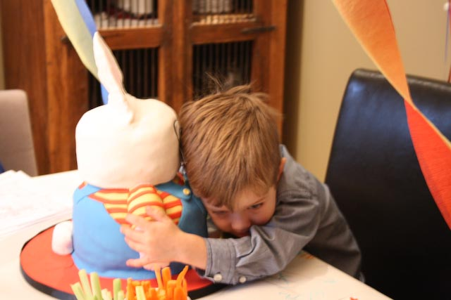 Max loves Max - the spontaneous hug