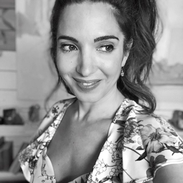 """Girlboss goals @marieforleo 🖤 Life coach, motivational speaker, author, and web TV host. What can't this girl do?! Even Oprah called Marie """"a thought leader for the next generation,"""" which is pretty much the highest compliment you can get from the OG girlboss. Can't wait to see what she does next!  Side note: Back in 2013, I did B-school and did 6 figures my first year in business. 4 years and a million in revenues later I'm so thankful for this lady paving the way for me so I can pave the way for others... . . . . #youcanbrand #jennasoard #onlinebusiness #onlinebusinesscoach #onlinecourse #onlinecourses #brandingdesign #brandingcoach #gogetit #boardroombabe #womenwholead #femaleceo #hustlegirl #womeninbusiness #womeninbiz #womanowned #womenownedbusiness #whoruntheworld #femaleowned #entrepreneurspirit #goalgetter #myownboss #creativeentrepeneur #createyourlife #makewaves #girlboss #bossbabe #ladyboss #fueledbyfemales #hustle101"""