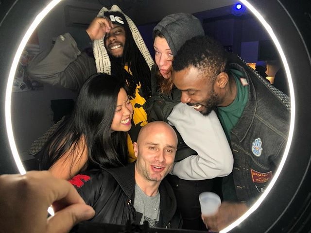 Last night at @thathousepartytho 🎉 . . #smokesandjokes #undergroundcomedy #undergroundmusic #bushwick #indiemusic #indieartist #indie #ridgewood #nyc #brooklyn #brooklynartist #brooklynmusic #houseparty #thathousepartytho #singer #eunicemusic #songwriter #hiphop #painter #dj #rapper #partyphotography