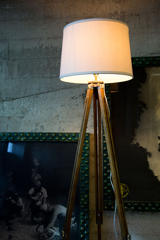 vintage-antique-tripod-lamps-wood-floor-lamp.jpg