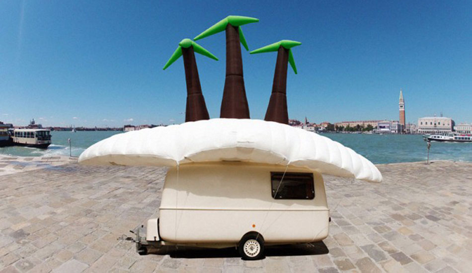 Søren Dahlgaard,  The Maldives Caravan Exodus Show  , Federation Square
