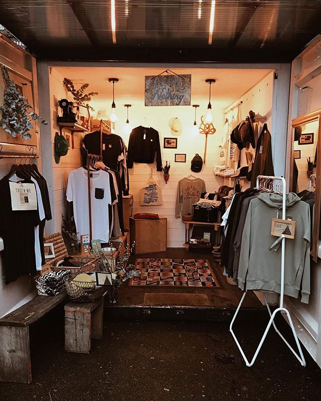 We love having a shop here alongside other local small businesses. Shop small this Christmas 💌 There's something for everyone here + lots more movers & makers joining us each Saturday this month ✨⁣ .⁣ .⁣ .⁣ .⁣ .⁣ #netilmarket #londonfields #shopsmall⁣ #smallbusinesssaturday #independent #sustainableshopping #wedoorganic #shoplocal #jointheconsciousshift