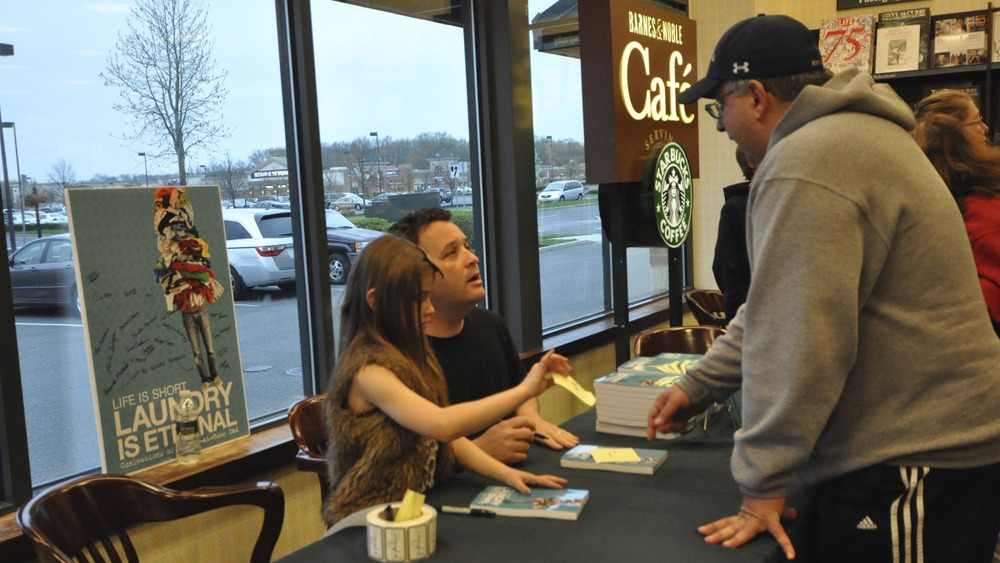 bn book signing_lisbook_april18_0291.jpg